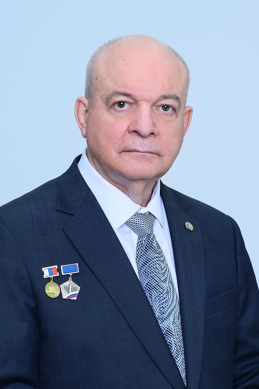 Лучников Александр Петрович